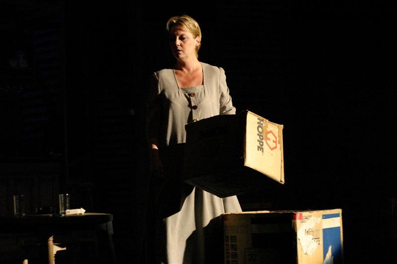 Emilia Popescu - Teatrul Bulandra - Cafeneaua - 14 martie 2011